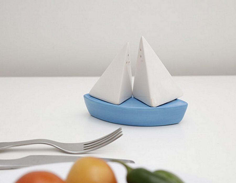 SP21_Sail_Boat_Salt_Pepper_Shakers_ACTION_2037