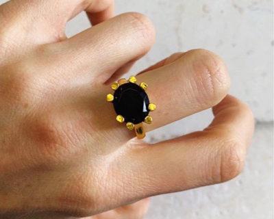 Bague pierre ovale noire Claw Shyla London
