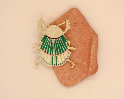 broche scarabée plaqué or christelle dit christensen
