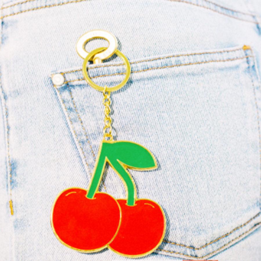 porte clés oversized cerises