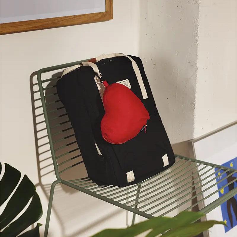 sac nomad heart doiy