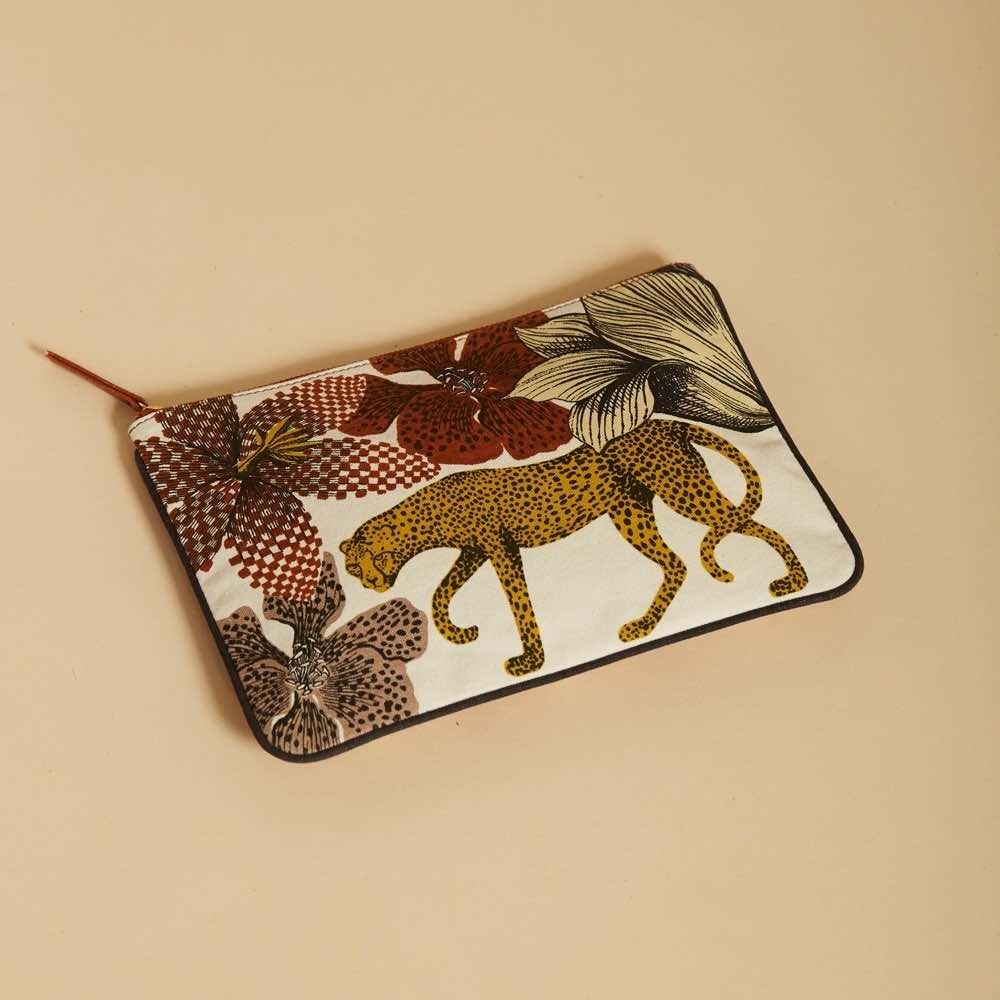 pochette leopard safran
