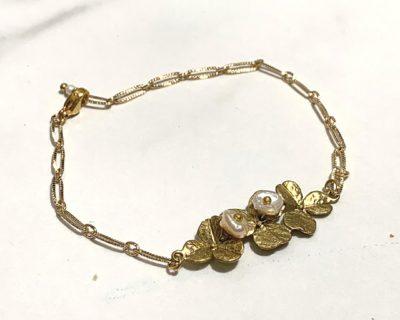 bracelet fleur perle blanc