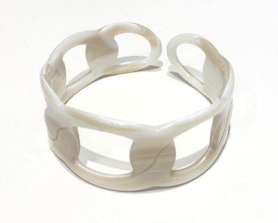 bracelet ajouré blanc
